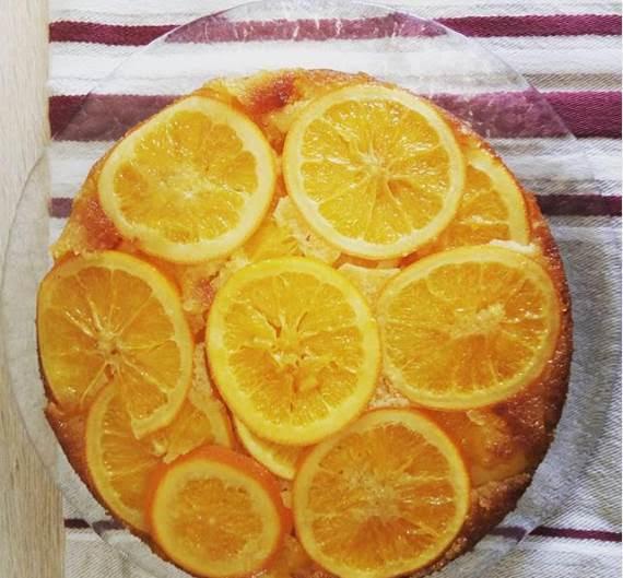 Orange upside cake
